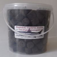 1500kg Carry Bucket 20mm Pre-Drilled Dark Marine Halibut Pre-Drilled Hook Pellets