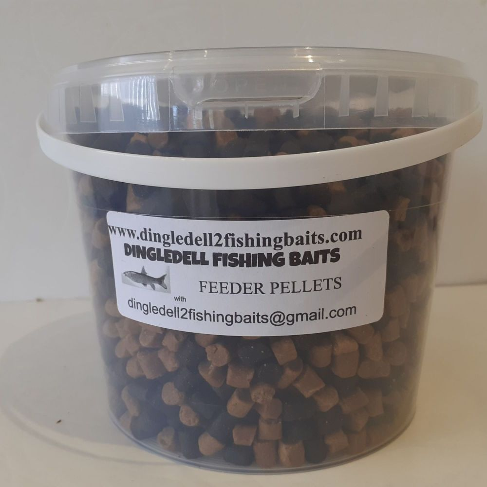 1.5kg Carry Bucket 8mm dark Trout Elite & Carp Coarse Sinking Feeder Pellet