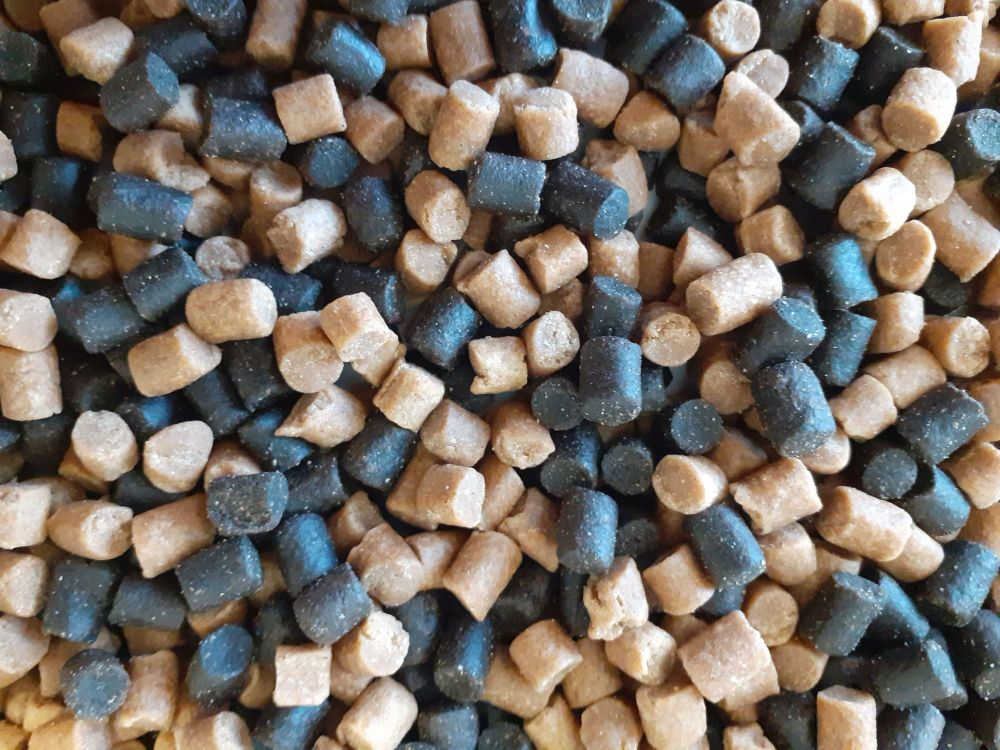 3kg Sealed pack 8mm Dark Trout Elite & carp Coarse Sinking Feeder pellets