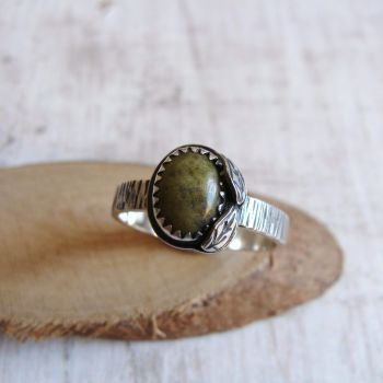 Sterling Silver Norwegian Epidote Leaf Ring No.1 (Size N)