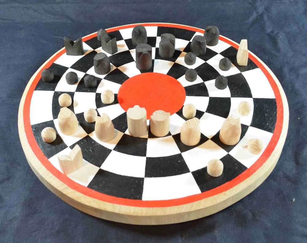 Circular chess board with early medieval chess pieces