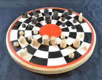 Circular chess with early medieval chess pieces