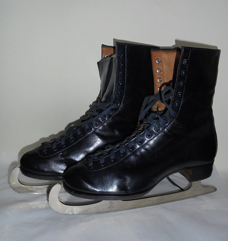 Leather Ice Skating Boots, Skates, Mobbs Bros Embekay Brand, c 1930s