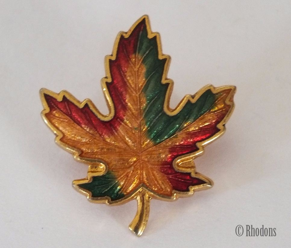 Canadian Maple Leaf Gilt Metal and Enamel Pin Brooch