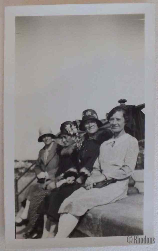 Family Group Photo - Ladies On The Beach, Amazing Hats, Circa 1930s Fashion