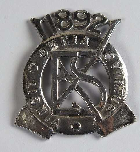 Vintage Military Badge E S 1892 Vincit Omnia Virtus