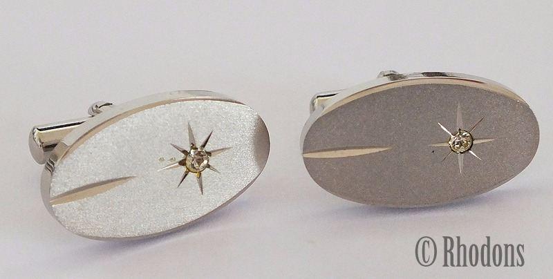 Vintage Silvertone Oval Shape, Circa 1980s