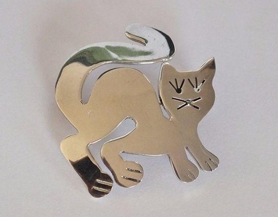 925 Sterling Silver Cat Brooch