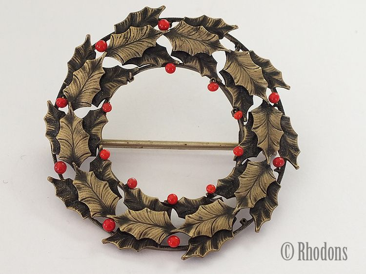 Christmas Holly Wreath Brooch. Circa late 1900s