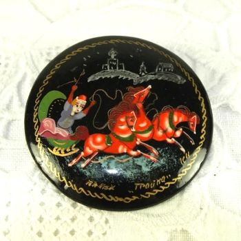 Russian Lacquer Brooch, Sledge Design. Mid to Late 20th Century