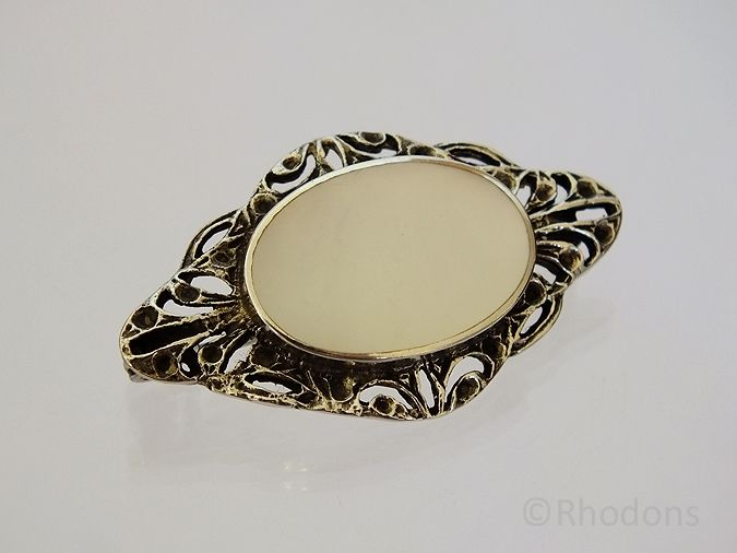 Silver & Mother Of Pearl Brooch. Circa 1930s