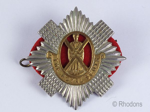 The Royal Scots Regiment Bi Metal Glengarry Cap Badge