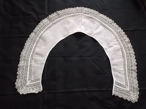 Large Antique Linen & Lace Collar, Hand Made