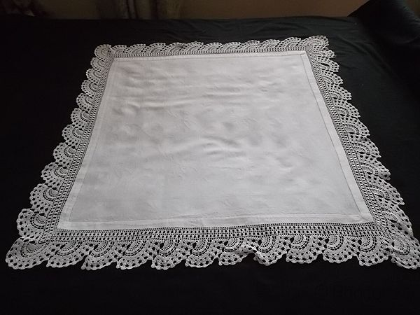 Damask Huckaback Linen & Crochet Lace Tablecloth, Daffodil Pattern. Victorian / Early 20th Century