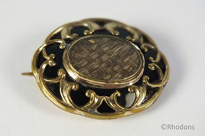 Victorian Pinchbeck Woven Hair Mourning Brooch. Circa Mid 19th Century