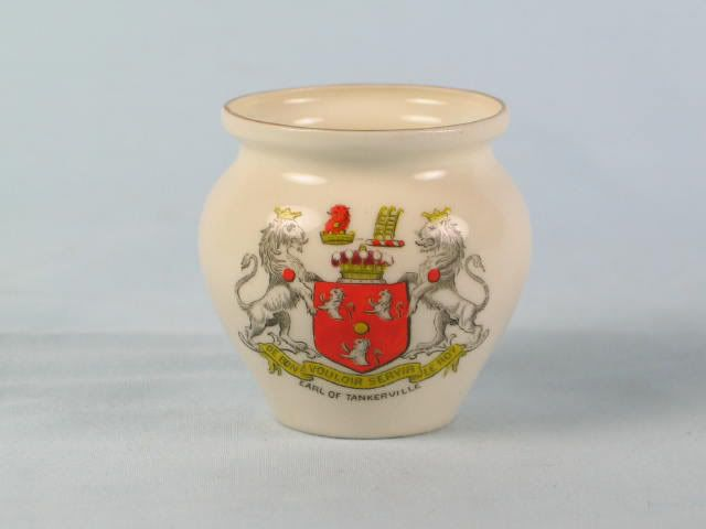 Goss Crested China Roman Pot Vase - Earl Of Tankerville