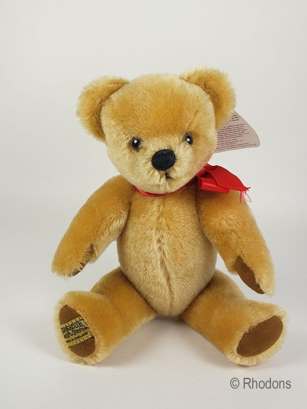 Traditional Merrythought London Gold Teddy Bear
