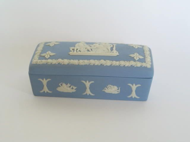 Wedgwood Blue Jasperware Trinket Box. 1970
