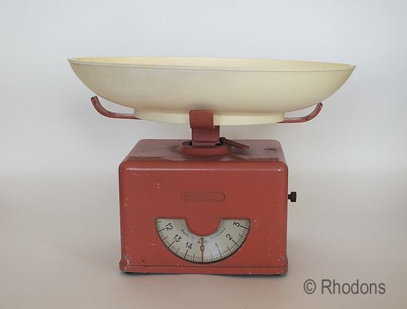 Vintage Swiss Made Kitchen Scales. 1940/50s