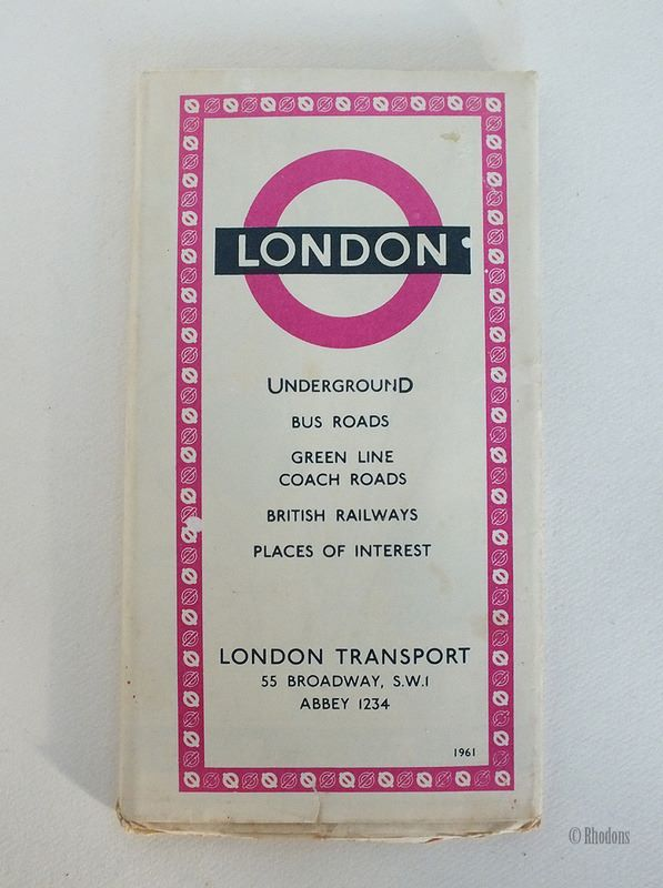 London Transport Visitors Guide To London Underground, Bus Roads, Green Line Coach Roads, British Railways, Places of Interest, 1961, 1060/2512M/