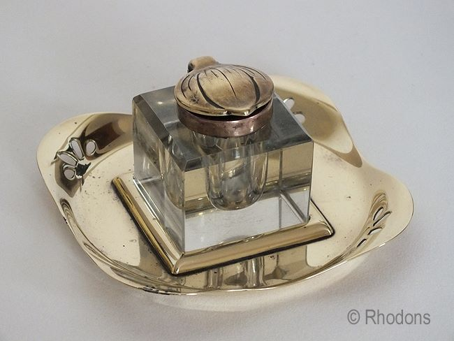 Art Nouveau Glass Inkwell, Late Victorian / Edwardian Era