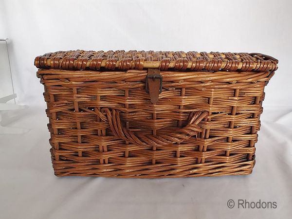 Woven Wicker Basket With Lid