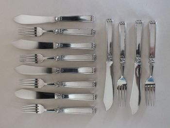 Elkington Plate Fish Knives & Forks, Art Deco Design, 6 Place Setting. Early 1900s. (Lot #1)