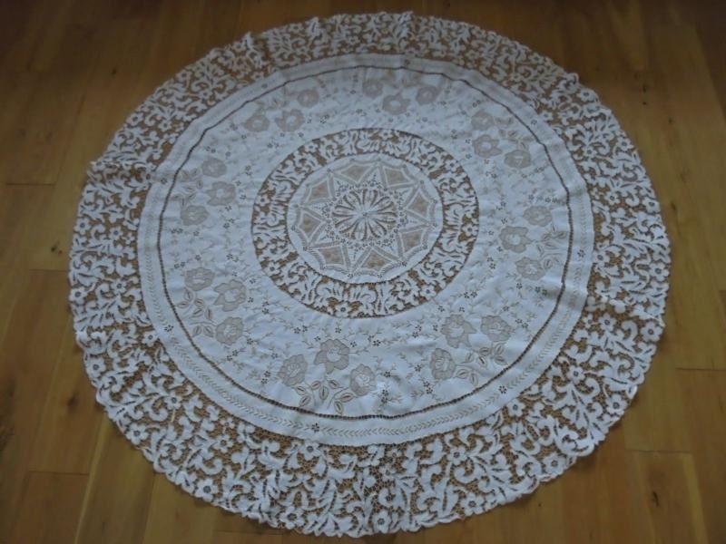 Circular Tablecloth With Embroidered Cut Work