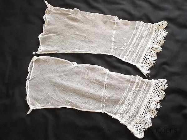 Victorian Engageantes Sleeves With Bedfordshire Lace Cuffs Circa 1850s