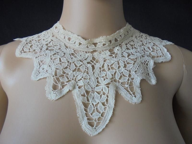 Victorian or Edwardian Era Lace Collar