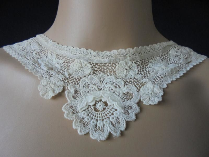 Antique Brussels Duchesse Lace Collar