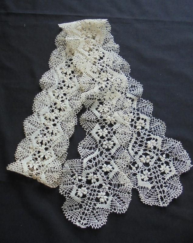Antique Maltese Lace Lappet