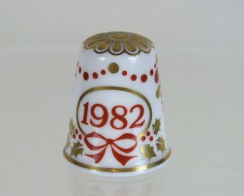 Collectable Thimble, Christmas 1982, Spode Fine Bone China, Boxed