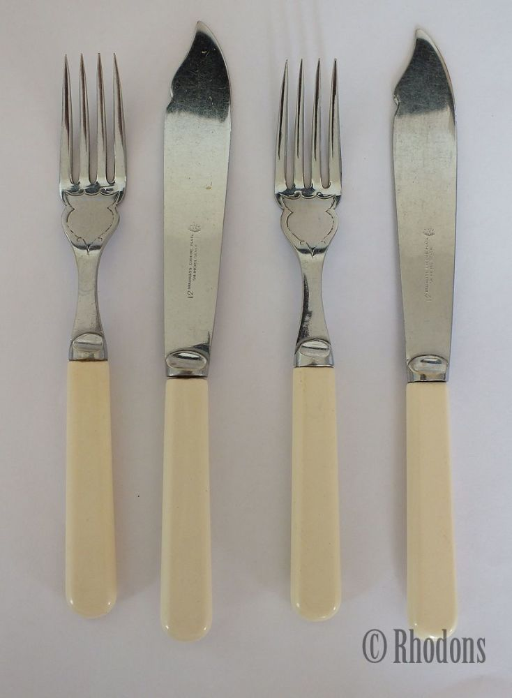 Vintage Fish Knives & Forks x2