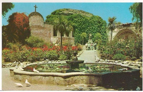 USA: California. Mission San Juan Capistrano - Circa 1950s Postcard
