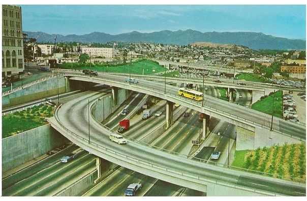 USA: California. Harbor Freeway From Sixth St Los Angeles - Circa 1950s Postcard