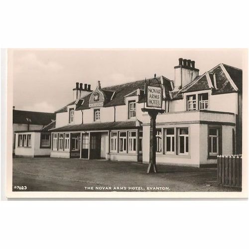 Scotland: Ross-shire, Evanton, The Novar Arms Hotel - RP Postcard