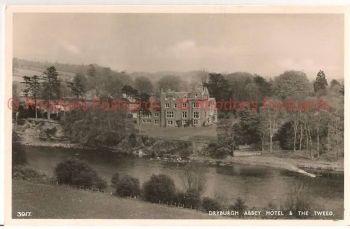 Scotland: Borders, Roxburghshire, Dryburgh Abbey Hotel & Tweed. RP Postcard