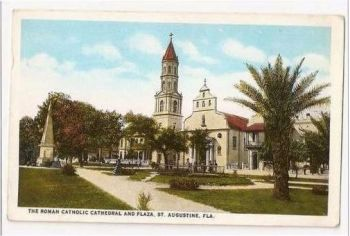 USA: Florida. Roman Catholic Cathedral & Plaza, St Augustine, Florida. Early 1900s Postcard