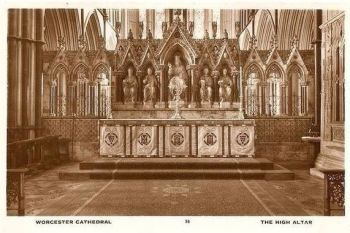 England: Worcestershire.  Worcester Cathedral, The High Altar. Circa 1930s RP Postcard