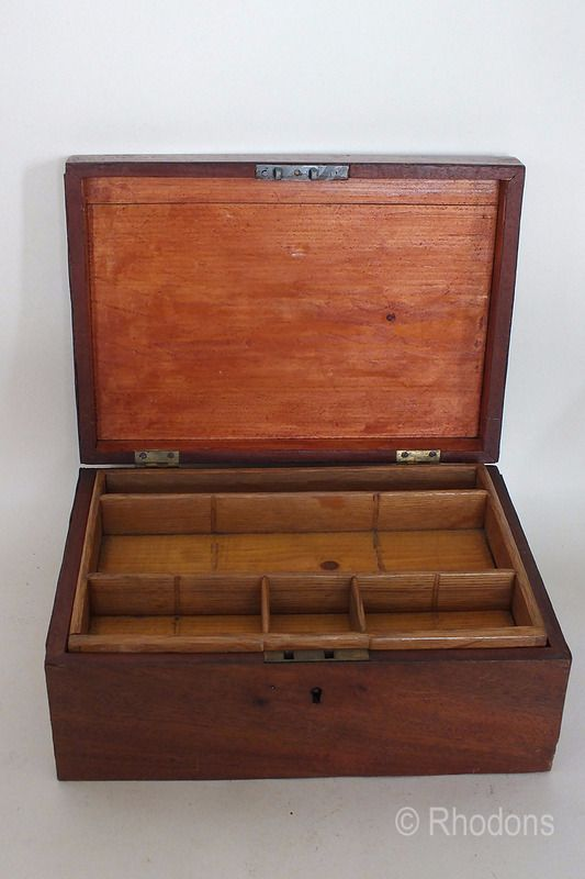Old Sewing Workbox / Jewellery Box With Mahogany Veneers - For Restoration