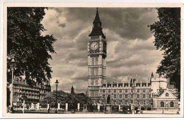 England: London Parliament Square. 1950s Real Photo Postcard