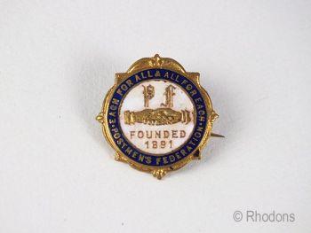 Postmens Federation Union Badge