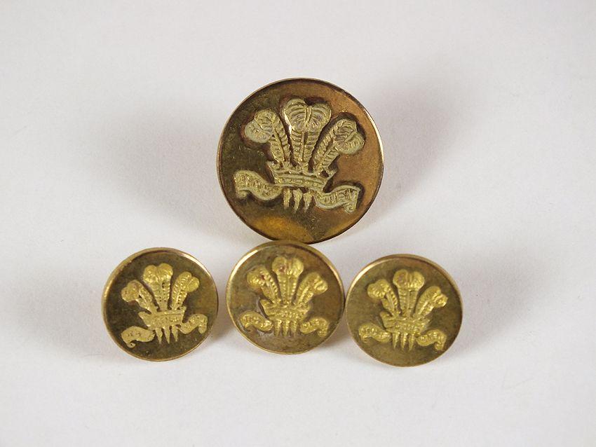 Vintage Military Uniform Buttons, Fleur De Lys, Ich Dien