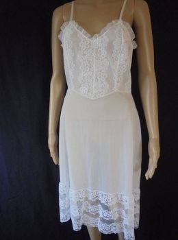 Mytoni White Nylon And Lace Petticoat. Circa 1950s, 1960s