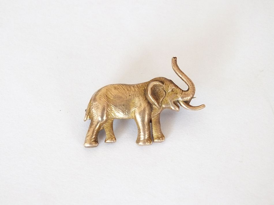 Gilt Metal Elephant Pin Back Brooch