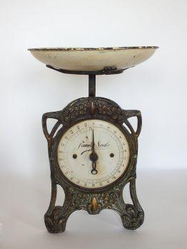 Antique Cast Metal Family Kitchen Scales