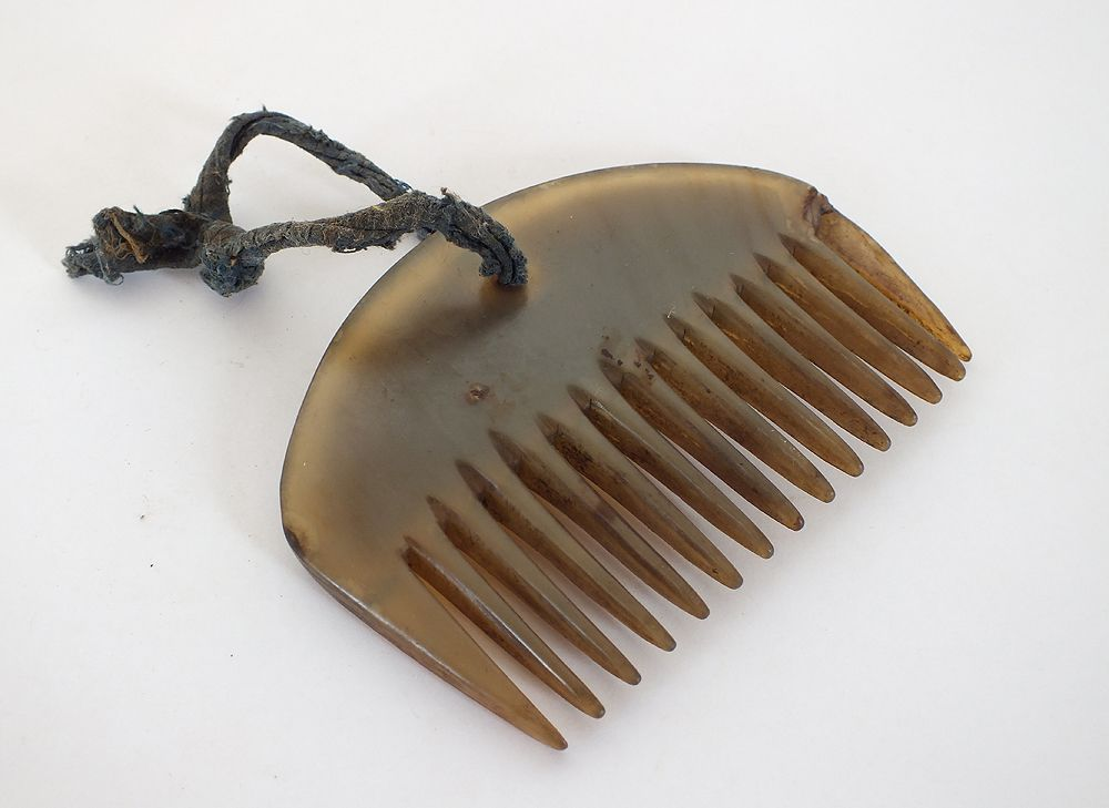 Carved Cow Horn Comb