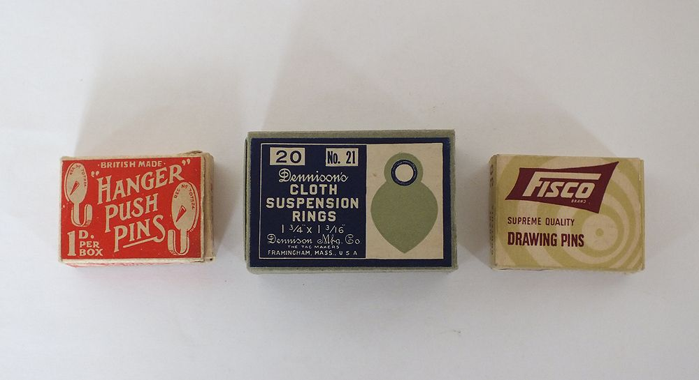 Vintage Packaging Push Pins, Drawing Pins, Suspension Rings