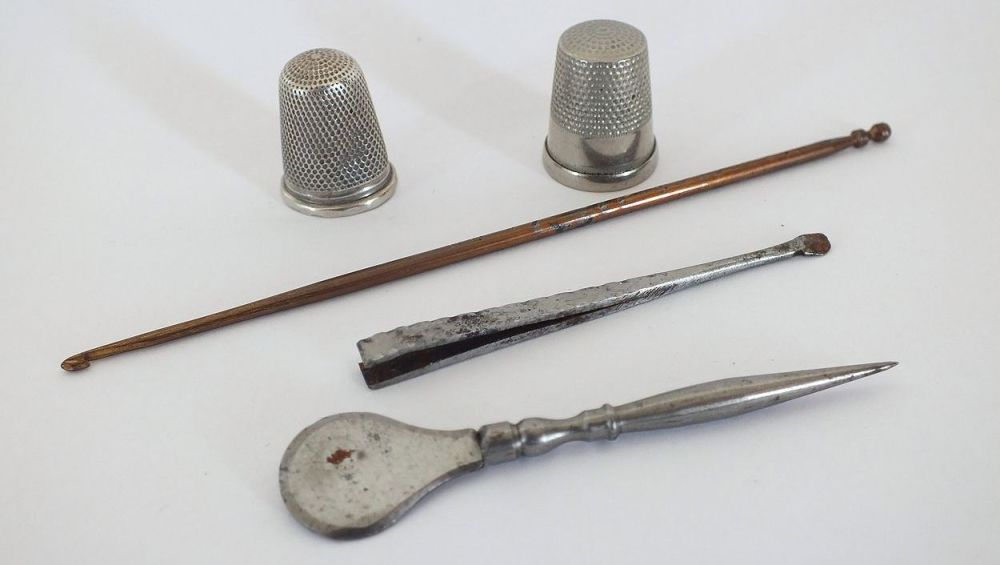 Vintage Sewing Accessories Lot,  Crochet Tools.